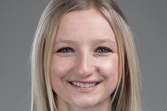 Recent English Alumna Receives Big Ten Conference Medal of Honor